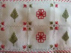 ponto reto - toalhabordado bargello o florentino ile ilgili görsel sonucu Swedish Weaving, Hand Embroidery Stitches, Christmas Embroidery, Bargello, Flower Crafts, Diy And Crafts, Sewing Projects, Cross Stitch, Dream Catcher