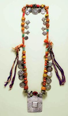 Morocco - necklace with square pendant African Jewelry, Tribal Jewelry, Bohemian Jewelry, Jewelry Art, Beaded Jewelry, Handmade Jewelry, Beaded Necklace, Jewelry Design, Fashion Jewelry