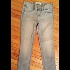 NWT Abercrombie Skinny Jeans NWT Abercrombie Skinny Jeans, girls size 14 Abercrombie & Fitch Pants