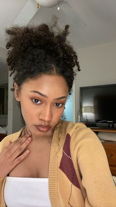 Natural Afro Hairstyles, Ethnic Hairstyles, Black Girls Hairstyles, Black Girl Aesthetic, Aesthetic Hair, Natural Glowy Makeup, Curly Hair Styles, Natural Hair Styles, Curls For The Girls