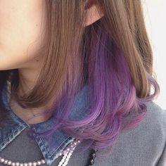 Hidden Hair Color, Two Color Hair, Korean Hair Color, Hair Color Streaks, Hair Color Purple, Hair Highlights, Short Hair With Purple, Purple Peekaboo Hair, Short Dyed Hair
