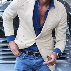 I understand & wish to continue — the-man-magazine: Casual friday Mens Fashion Wear, Men's Fashion, Fashion Outfits, Blazer Outfits Men, Casual Outfits, Stylish Men, Men Casual, Herren Outfit, Gentleman Style