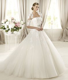 Elegant Tulle Ball Gown Strapless Chapel Train Winter Wedding Dresses with sweetheart instead?!