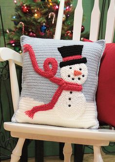 Ravelry: Snuggle With Frosty Pillow pattern by Laura Bozeman