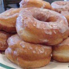 My Moms Raised Doughnuts Donuts yeast Donuts Baked Donut Recipes, Pastry Recipes, Cooking Recipes, Amish Doughnut Recipe, Recipes With Yeast, Yeast Donuts, Baked Doughnuts, Recipe Doughnuts, Churros