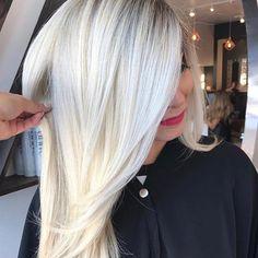 T H A T • B L O N D E ✔️ Hair by @jakethegreat_88 #blondegoals #blondehair #iceblonde #whiteblonde
