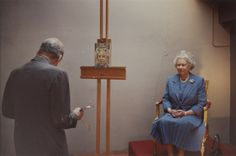 Lucien Freud painting the Queen. This photo is so rad.