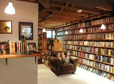 This is Neil Gaiman's personal library - Ebook Friendly