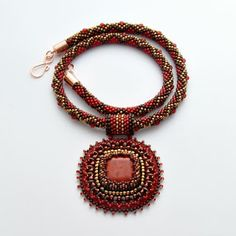 Bead Embroidery Jewelry, Beaded Jewelry Patterns, Beaded Embroidery, Beading Projects, Crochet Necklace, Jewelry Necklaces, Pendants, Beads, Accessories