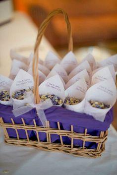 Lancer confettis feuille sechee 2