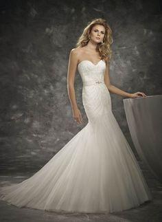 A(z) 52 legjobb kép a(z) Sellő fazonú esküvői ruhák táblán  a1beebff52