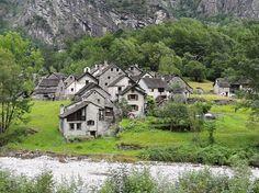 Rosèd 741 m Switzerland, Hiking, Mansions, House Styles, Photos, Locarno, Walks, Fancy Houses, Trekking