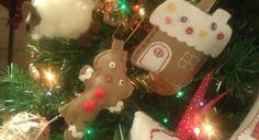 Casetta di pandizenzero e gingerbreadman in feltro