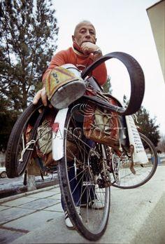Любитель велопутешествий Александр Гершфельд Bicycle, Motorcycle, Vehicles, Art, Bicycle Kick, Craft Art, Bicycles, Biking, Car