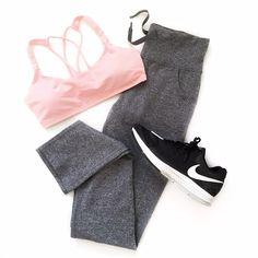 Fitness flatlay - lululemon & Nike fitspo