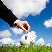 Veel Nederlanders sparen te weinig.  Vier op de tien Nederlanders hebben te weinig of zelfs helemaal geen spaargeld. Dat blijkt uit onderzoek van het Nationaal Instituut voor Budgetvoorlichting (Nibud).