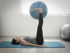 Os benefícios são inúmeros: modela o corpo, aumenta a flexibilidade, reduz o stress, ajuda no auto controle, melhora a capacidade respiratória, aumenta a concentração, melhora o equilíbrio e a postura. É a técnica mais completa que eu conheço, diz - Veja mais em: http://www.maisequilibrio.com.br/fitness/pilates-em-casa-3-1-2-651.html?pinterest-mat
