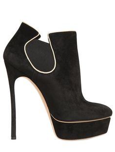 Casadei Black Suede Low Boots Fall Winter 2013 €850 #HighHeels #Booties #Casadei