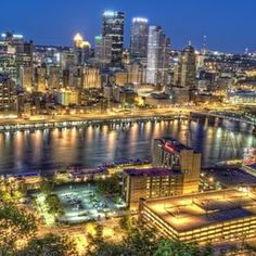 Pittsburgh skyline and Station Square