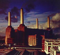 Un tempo centrale elettrica, in futuro nuovo quartier generale di Apple a Londra, la Battersea Power Station è una delle location più amate (e