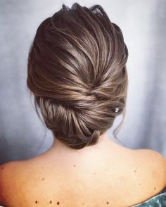 Best wedding hairstyles brunette updo up dos 56 ideas Brunette Updo, Wedding Hair And Makeup Brunette, Wedding Hair Up, Bridal Hair Updo, Wedding Makeup For Brunettes, Hair Makeup, Simple Wedding Hairstyles, Party Hairstyles, Bride Hairstyles