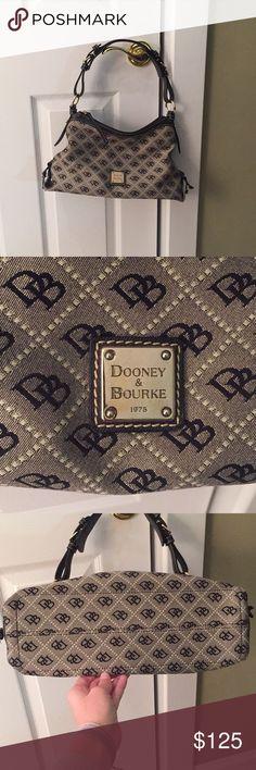 Dooney Bourke Hobo Purse -Dooney Bourke Medium Black Hobo Purse - In excellent condition Dooney & Bourke Bags Hobos