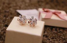 2014 Daily Wear Fashion Elegant Three-Dimensional Flower Jewelry Stud Earring Latest Design