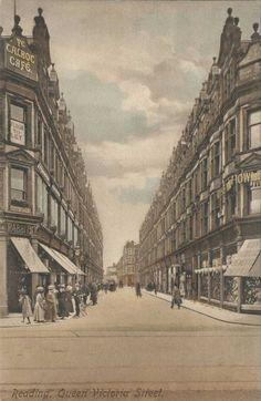 Berkshire, Reading, Queen Victoria Street - showing Rabbits Shop c.1916