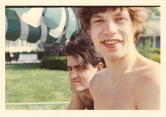 Ian Stewart y Mick Jagger en 1965 cuando comenzaron a ser famosos.