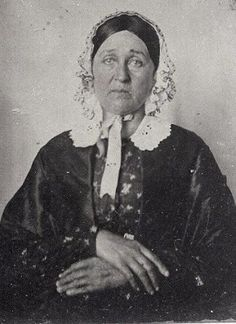 It's About Time: Photos of 19th century American women in their print frocks