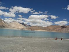 The color of water is very different from far.. The nearer you get to the lake the color of the water intensifies ..