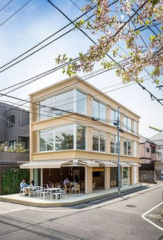 http://www.shigerubanarchitects.com/works/2016_Sante/index.html
