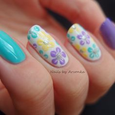 Spring Flowers (Nails by Arvonka)