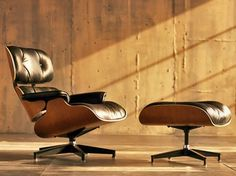 Eames Lounge Chair and Ottoman Lean and modern. Sleek, sophisticated, and beautifully simple. The Eames lounge chair is in the permanent collection of the Museum of Modern Art in New York City. Charles Eames, Ray Charles, Eames Design, Chair Design, Ottoman Design, Lounge Design, Design Design, Graphic Design, Interior Design