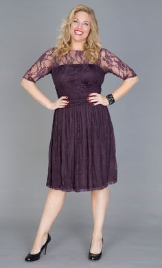 The perfect cocktail dress, the Luna lace dress features scalloped lace and nude mesh backing to hide bra straps. Buy this lace overlay dress online today. Dream Dress, I Dress, Lace Dress, Curvy Women Outfits, Clothes For Women, Lace Overlay Dress, Girl With Curves, Real Women, Well Dressed