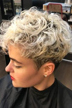 25 Trendy Short Pixie Hairstyles To Rock | LoveHairStyles.com