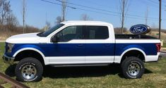 This unique thing is undeniably a noteworthy design theme. Classic Ford Trucks, Lifted Ford Trucks, New Trucks, Custom Trucks, Cool Trucks, Pickup Trucks, Cool Cars, F150 Lifted, Truck Lift Kits
