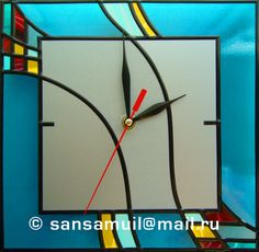 Самодельные витражные часы для офиса и дома Stained Glass Projects, Stained Glass Patterns, Stained Glass Panels, Stained Glass Art, Jimmy Glass, Clock For Kids, Christmas Wood Crafts, Cool Clocks, Fused Glass Art