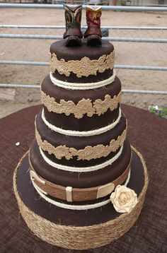 Western Wedding Cake. Adorable!!! Looks like my birthday cake, would love it for my future wedding.