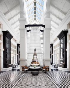 Don't wait to get the best luxury hotel lobby lighting design inspiration! Find it with Luxxu at  luxxu.net