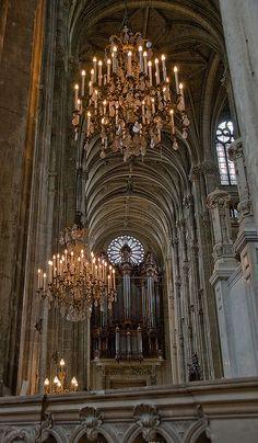 St-Eustache: Nave, Paris