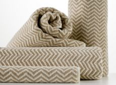Description The popular Herringbone towels come in Black/White & Flax/Ivory from the exclusive Cool Galah collection. Bath Sheets, Herringbone Pattern, Bath Design, Bath Rugs, Cotton Towels, Towel Set, Merino Wool Blanket, Bath Towels, Linen Bedding