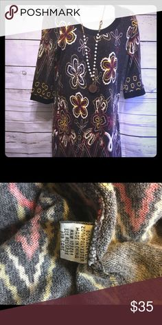 """Funky People Dress Great condition 80% acrylic and 20% polyester dress. Measures 31"""" in length with 34"""" bust. 15"""" arm length. Funky People Dresses Midi"""