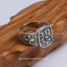 Pouplar 925 Silver Ring with Three Scout Flowers By Chrome Hearts [925 Silver Rings] - $210.00 : Buy Chrome Hearts | Chrome Hearts Online