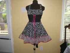 Country girl apron by byemilyrose on Etsy, $75.00