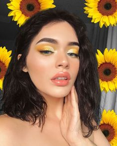Yellow Makeup Looks Yellow Eye Makeup, Bright Eye Makeup, Dark Eye Makeup, Yellow Eyeshadow, Dramatic Eye Makeup, Makeup Eye Looks, Colorful Eye Makeup, Glowy Makeup, Natural Eye Makeup