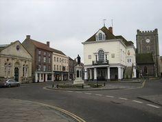 Wallingford, Oxfordshire    http://en.wikipedia.org/wiki/File:Wallingford.JPG
