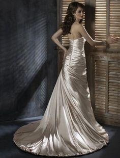 2011 Style A-line Sweetheart Court Trains Sleeveless Taffeta Wedding Dress For Brides