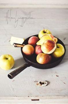 ... peach skillet cake ...