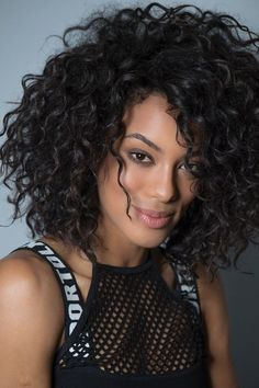 Get voluminous curly hair with clip-in curly extensions | Explore now Curly Hair Cuts, Curly Wigs, Short Curly Hair, Deep Curly, 3b Hair, Natural Hair Styles, Short Hair Styles, Red Carpet Hair, Brazilian Hair Bundles